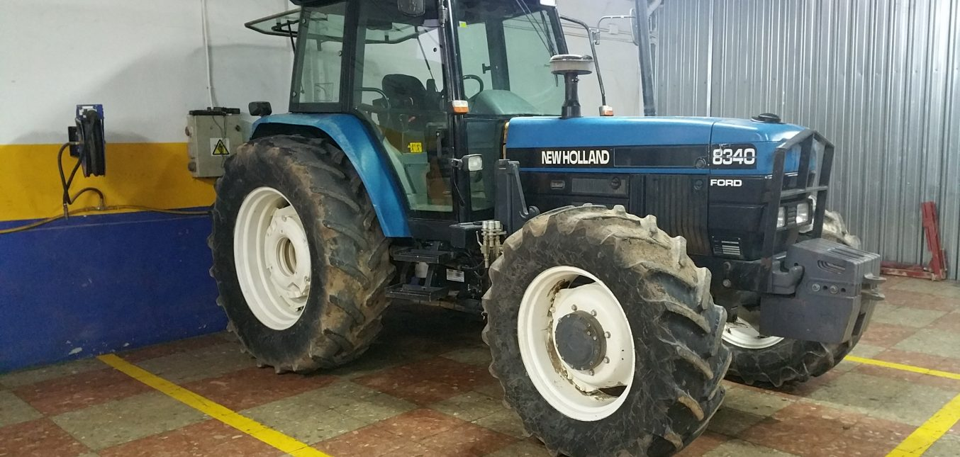 NEW HOLLAND 8340 4WD.......28.000.-€