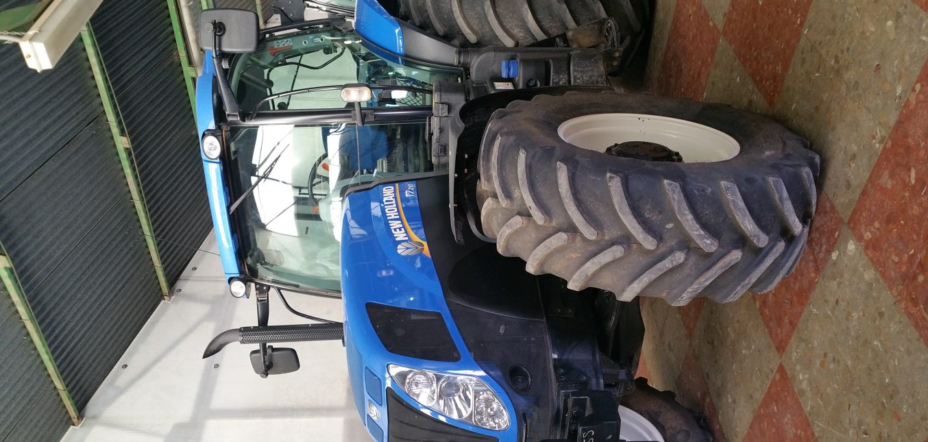 New Holland T7.210 Classic, 3.000 horas........60.000.-€
